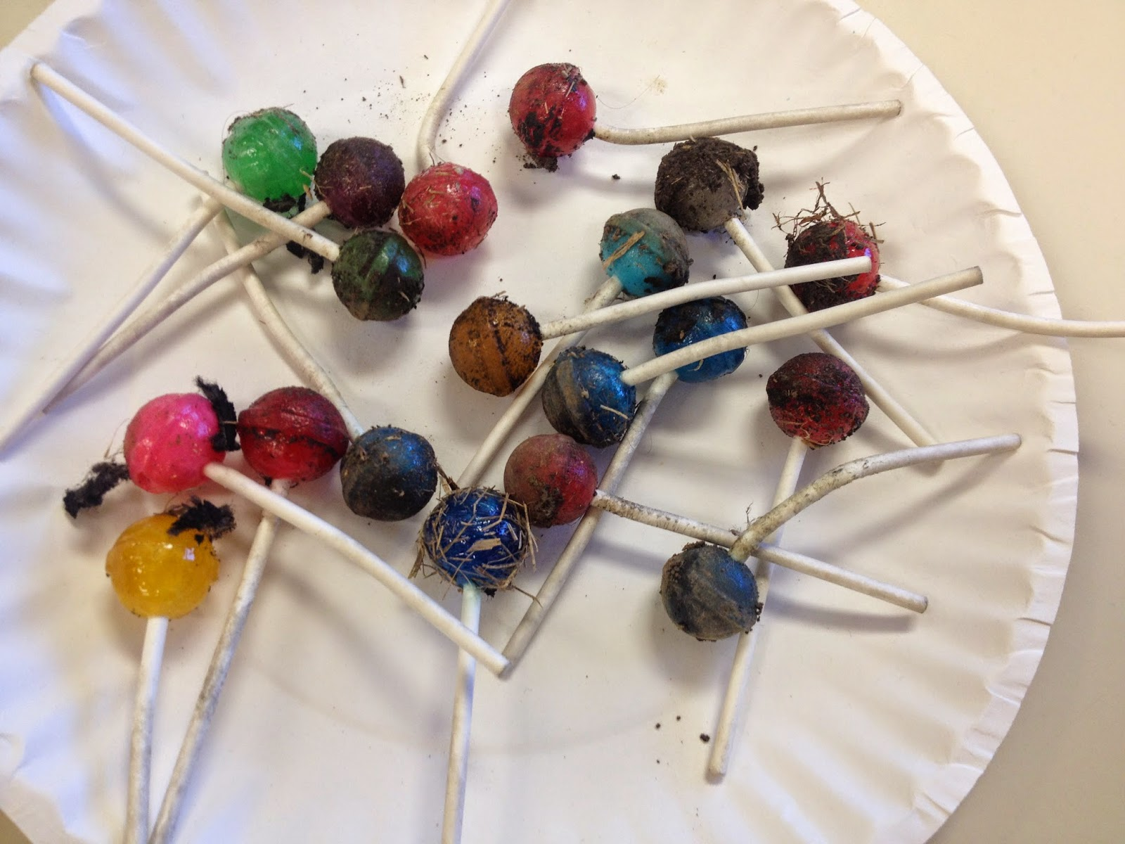 Guest blog post today from Faith at Kindergarten Faith all about Kindergarten Science Fun!