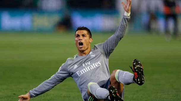 ¡Nueva agresión de Cristiano Ronaldo que no es sancionada!