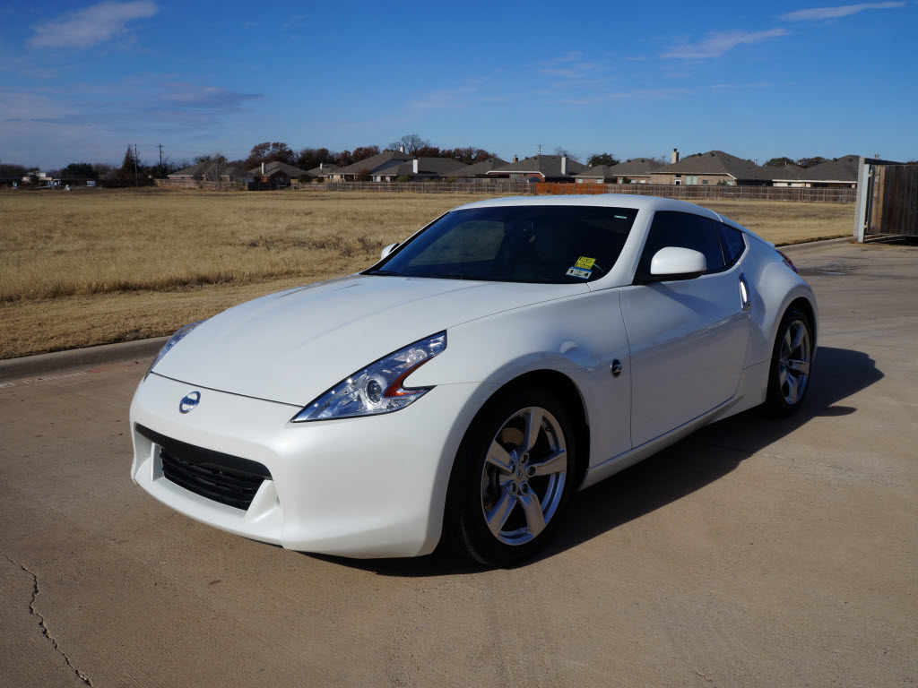 For Sale a 2011 Nissan 370Z Coupe in Pearl White. With ...