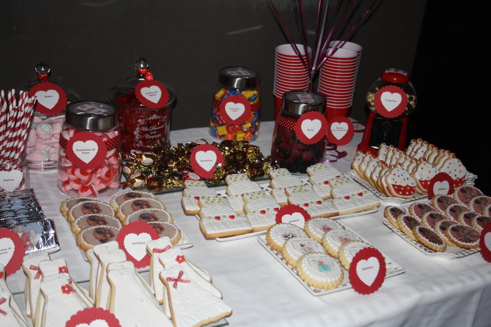 Las reinas de las tartas fondant mesa de dulces en rojo for Mesa de dulces para boda