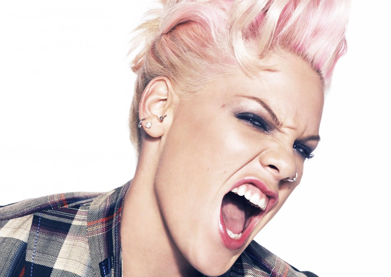 http://3.bp.blogspot.com/-emLdQGWApNg/T_H-Iwd2oMI/AAAAAAAAFzM/26vDaKeiG_8/s1600/Pink_Andrew_Macpherson_1.jpg