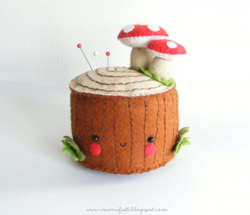 http://3.bp.blogspot.com/-emNUVgv1Yuc/Uvz8dOYX_7I/AAAAAAAAWB8/Ca4FV09ZppM/s500/felt+tree+stump+pincushion+tutorial.jpg