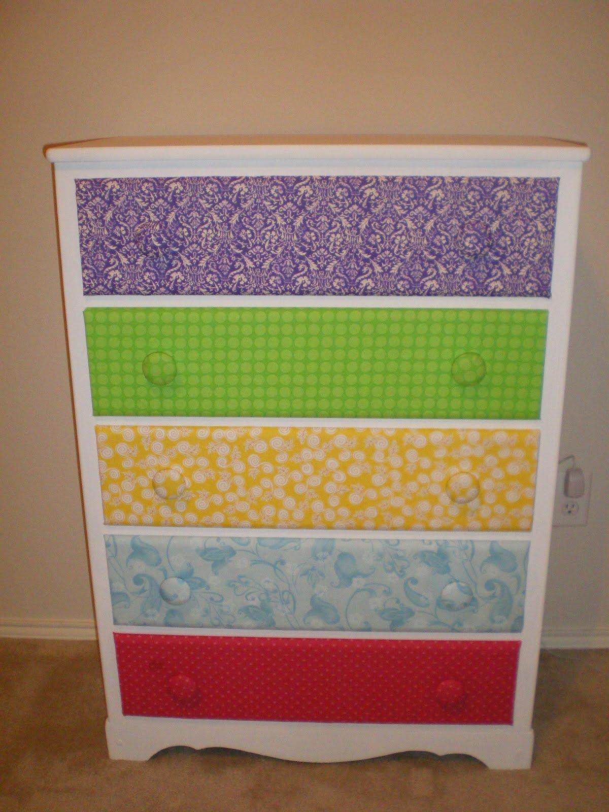 mama meryl 39 s monographs diy dresser makeover. Black Bedroom Furniture Sets. Home Design Ideas