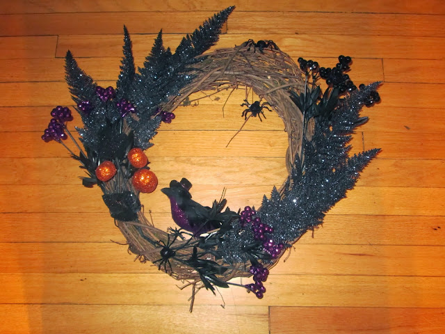 wreath, diy, crafts, hot glue gun, halloween, crow, glitter, spiders, scary, spooky, wreaths, grape vine wreath