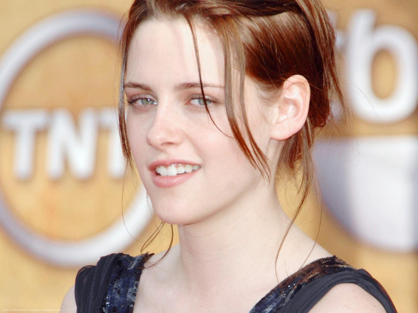 Kristen-Stewart-Laugh-Wallpapers