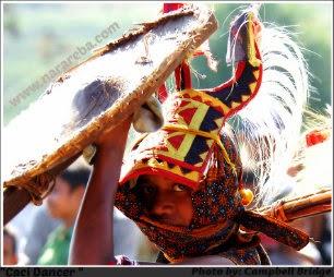 Sang Penari Caci Manggarai