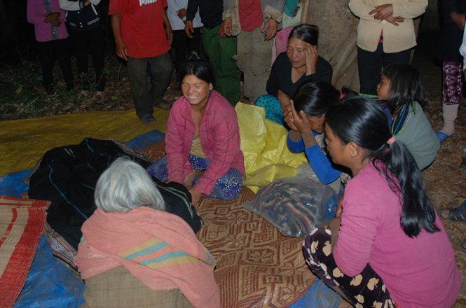Gia Lai: Làng Tơ Vơn bấn loạn sau vụ tai nạn thảm khốc