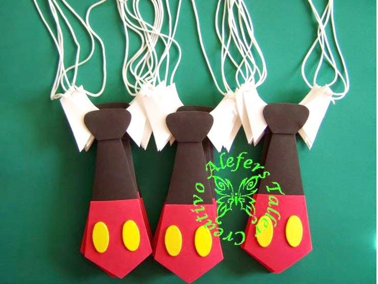 Corbatas de Mickey mouse en foami