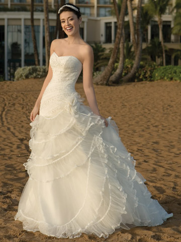 Ruffle wedding dresses unique wedding ideas and for Wedding dresses with ruffles