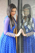 Pragathi cute at Basthi trailer launch-thumbnail-9