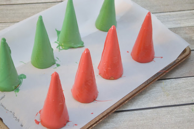 Candy Coated Christmas Trees & Santa Hats Ice Cream Toppers, candy coated ice cream cones, Christmas Tree Ice Cream Cones, Santa Hat Ice Cream cones, Creative Ice Cream desserts, Christmas Ice cream cones