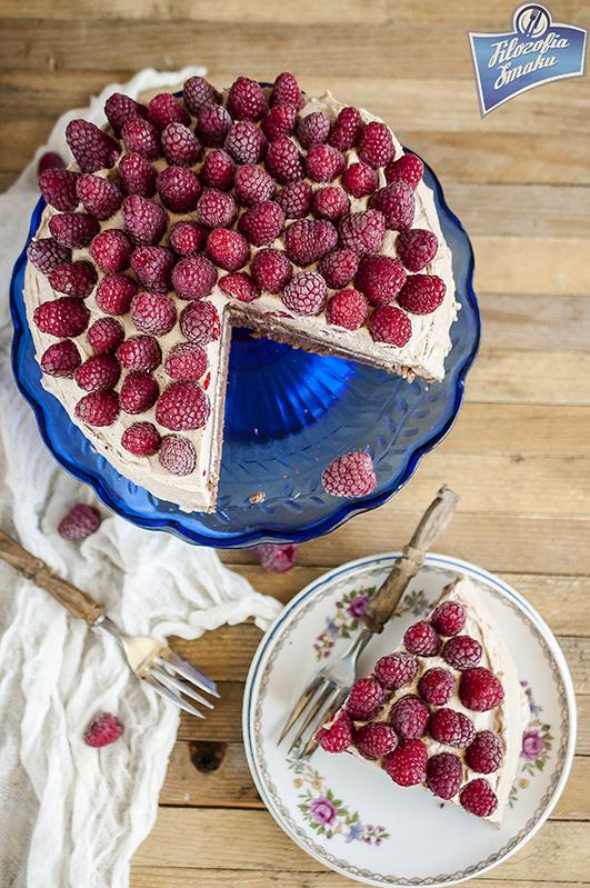 Tort czekoladowy z malinami przepis