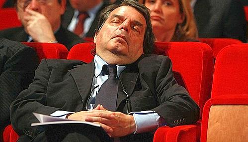 Lina il mio angolo i politici che dormono for Foto parlamentari italiani