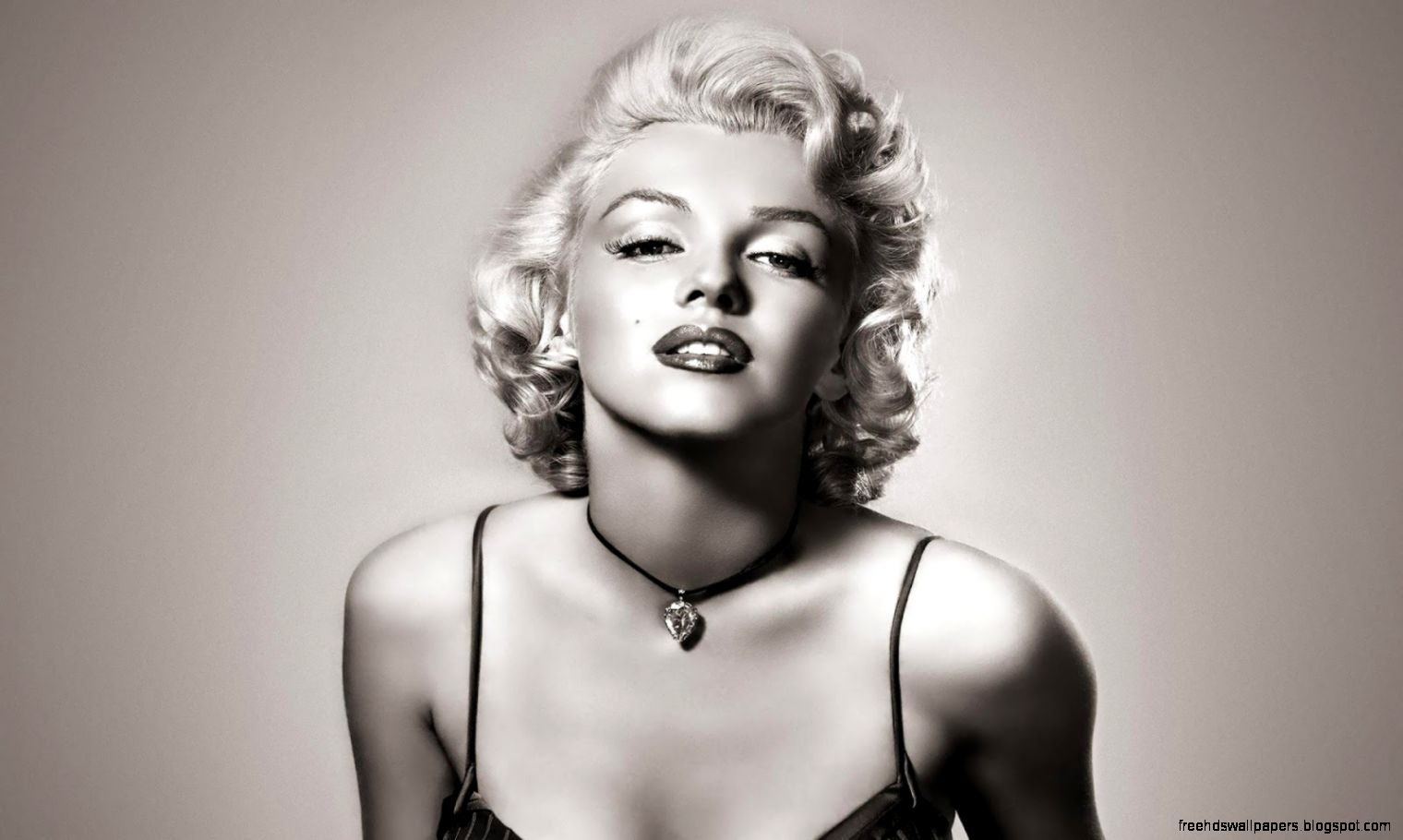White background wallpaper free hd wallpapers - Marilyn monroe diva ...