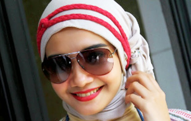 Gambar Cara Berhijab Zaskia Sungkar Artis Cantik Indonesia Trend Model Jilbab