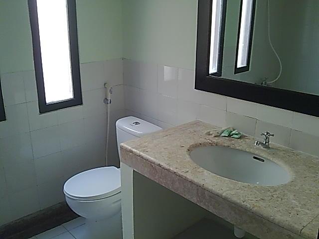 kamar mandi bawah 3 kt