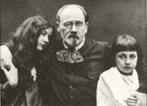 Émile Zola y sus dos hijos, Jacques y Denise, hijos que Zola tuvo con su amante secreta Jeanne Rozerot (fotografía de Émile Zola)