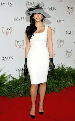 http://3.bp.blogspot.com/-eo4TZvZvKfY/TaHSgSqiFII/AAAAAAAACtg/LNKfCDQRGBU/s400/kim+Kardashian+%25281%2529.jpg