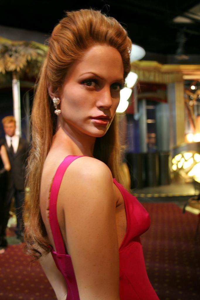 Creepy waxfork model of Jennifer Lopez