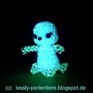 http://lessly-perlentiere.blogspot.com/2015/12/leuchtendes-gespenst-small-head-doll.html