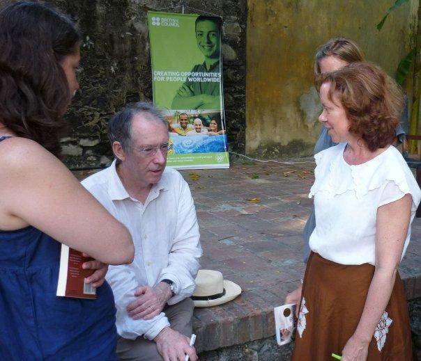 No es sino mi vida solar by ian mcewan book club for Farcical google translate