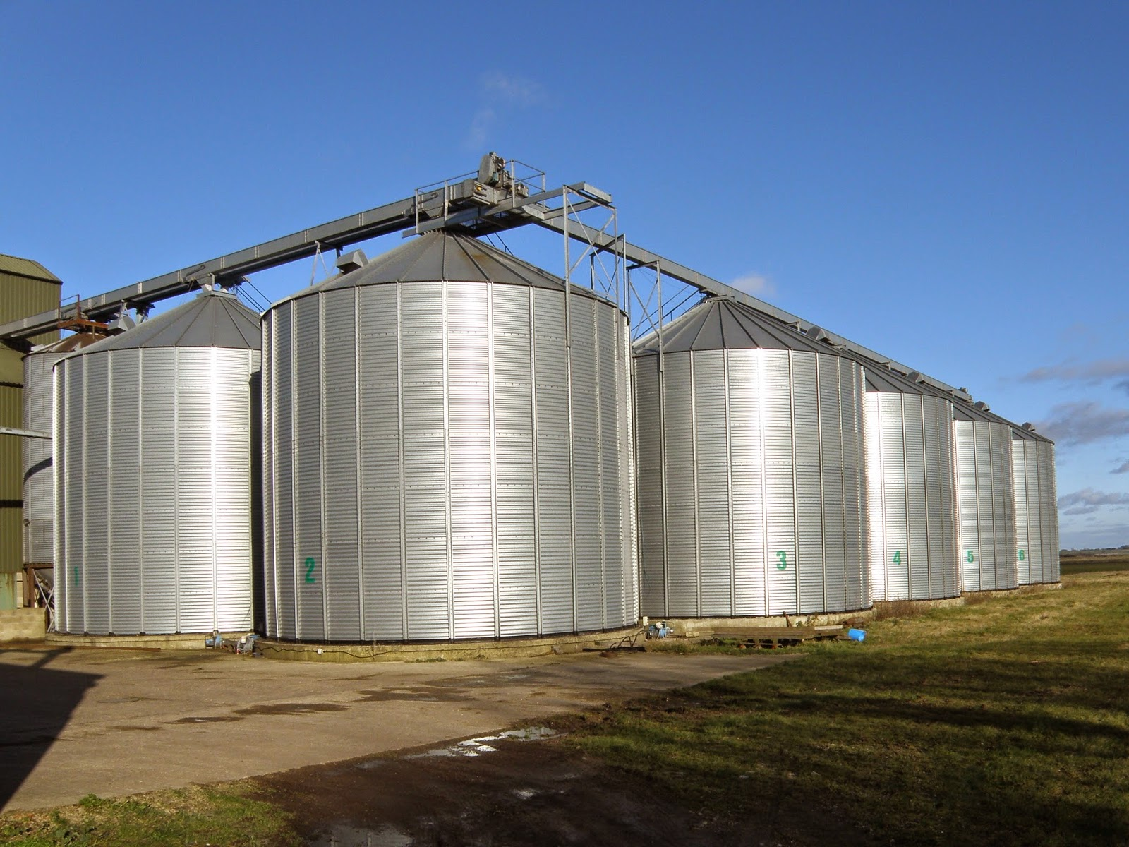 http://www.coventrytelegraph.net/news/local-news/man-rescued-from-grain-silo-8457423
