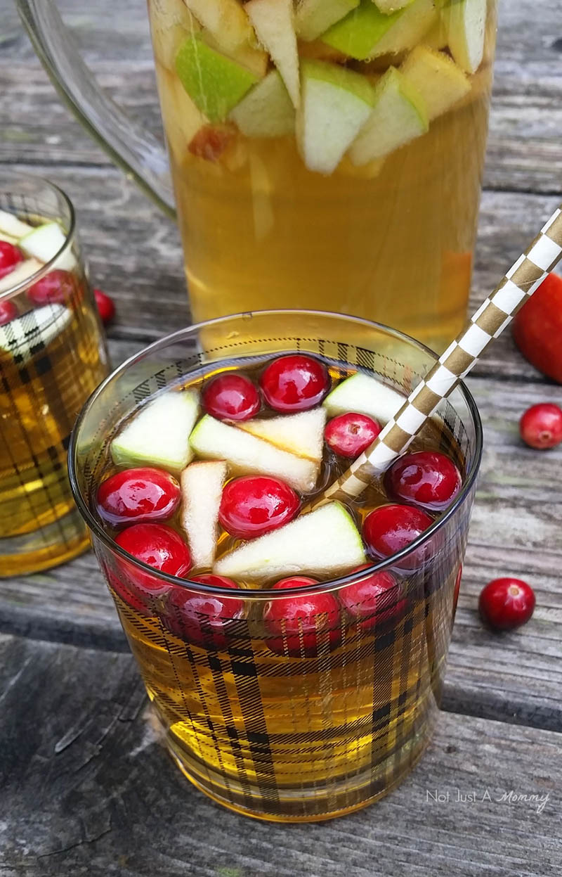 Sparkling Cranapple Punch, perfect for the holidays