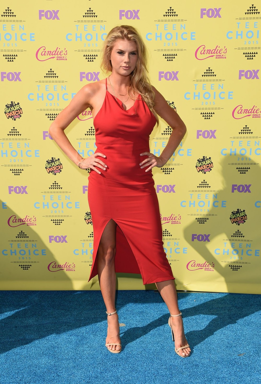 Charlotte McKinney – 2015 Teen Choice Awards in Los Angeles
