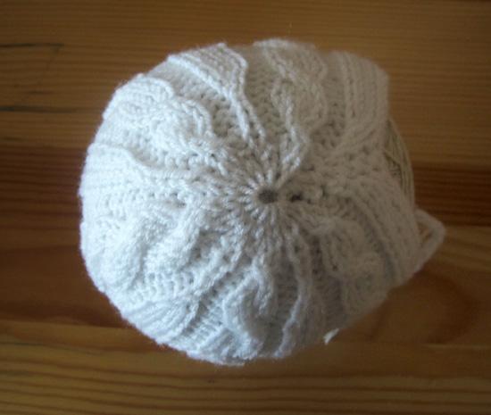 шапочка с косами спицами, заказать шапочку для фотосессии, белая шапочка с косами