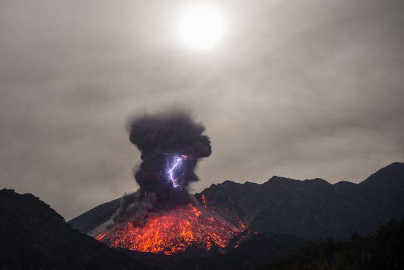 Martin Rietze fotografia erupção vulcão lava fogo raios fúria natureza