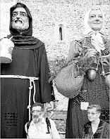 El gegant Llúpol i al seu Costat Mossèn Pere Fradera. Autor: Regió7