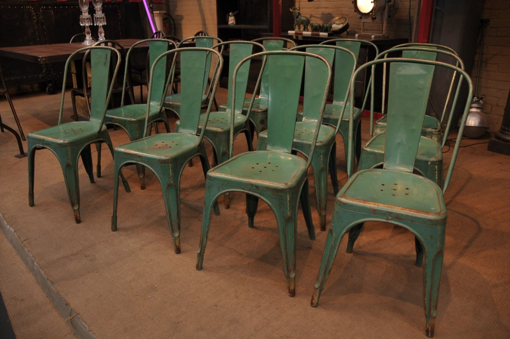 I Love These Green Vintage Tolix Chairs! Vintage, Distressed Tolix Chairs  Are Expensive And Somewhat Hard To Find.