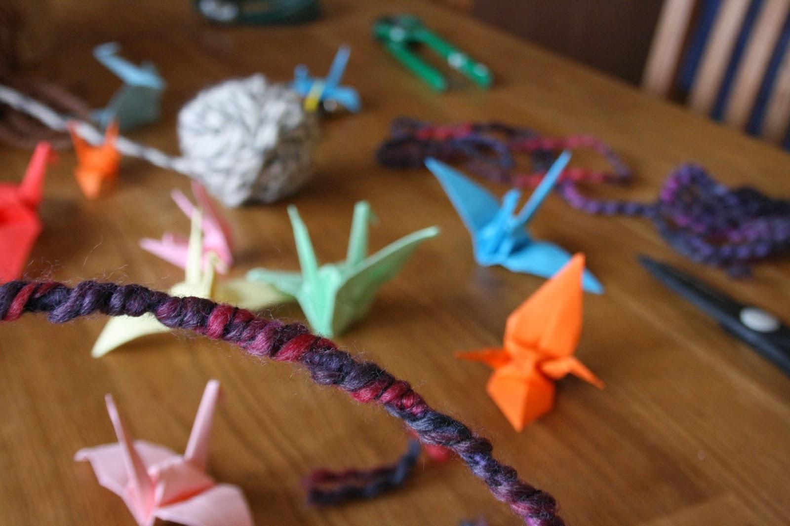 Lampadario Con Filo Di Lana : Il coltello di banjas giostrina di origami tutorial