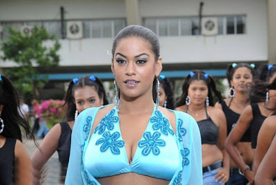 girl doodle sexy: Mumaith Khan Hot Stills