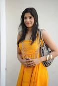 actress pragathi hot photos in yellow-thumbnail-3