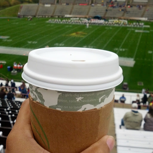Hot-Chocolate-at-Football-Game-tasteasyougo.com