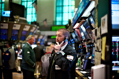 http://3.bp.blogspot.com/-eqM0f7sMyFA/TeiYgEF-MnI/AAAAAAAAAPo/4VLad6HK6Qw/s1600/online-stock-broker2.jpg
