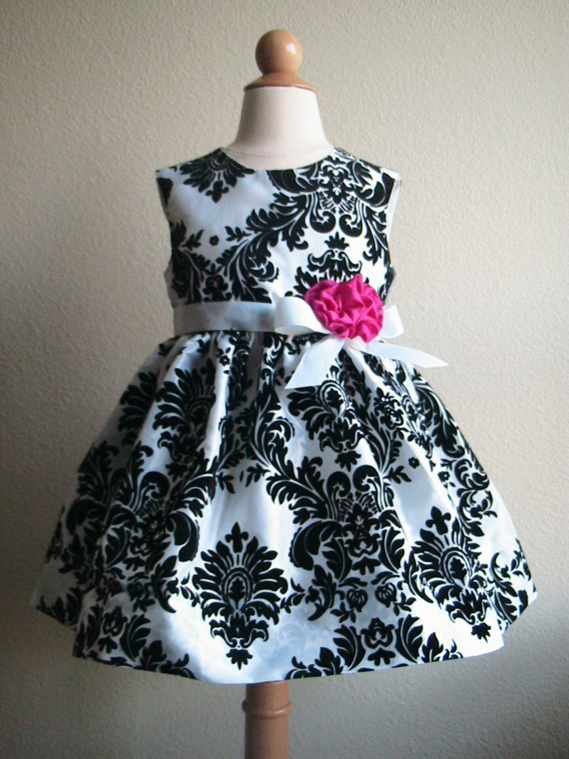Damask quinceanera decorations on pinterest damasks for Black floral dress to a wedding