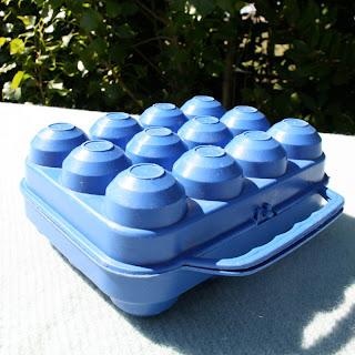 Boîte à œufs vintage bleue !