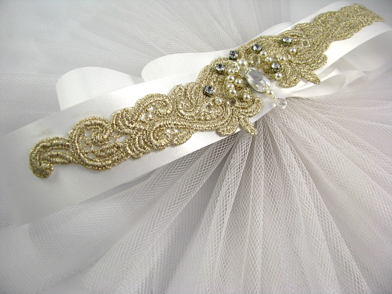 aplikacja do sukni ślubnej na szarfie