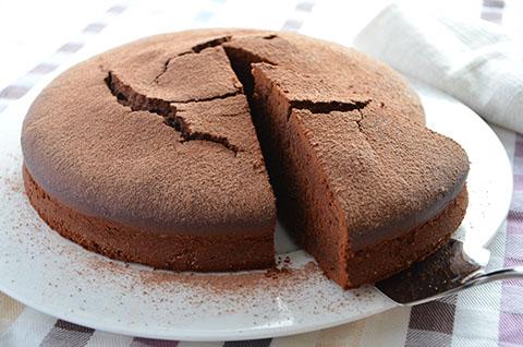 Torta al cacao semplice le ricette de la cucina imperfetta for Cucina semplice ricette