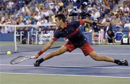 Novak Djokovic Yarım Tenis Vole