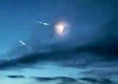 Fireballs Entering Atmosphere Over Russia
