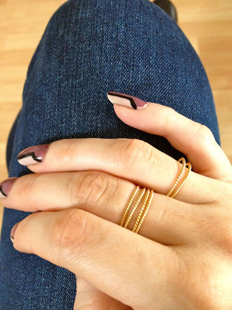 Laura_lee_stacked_rings_fashion_blog