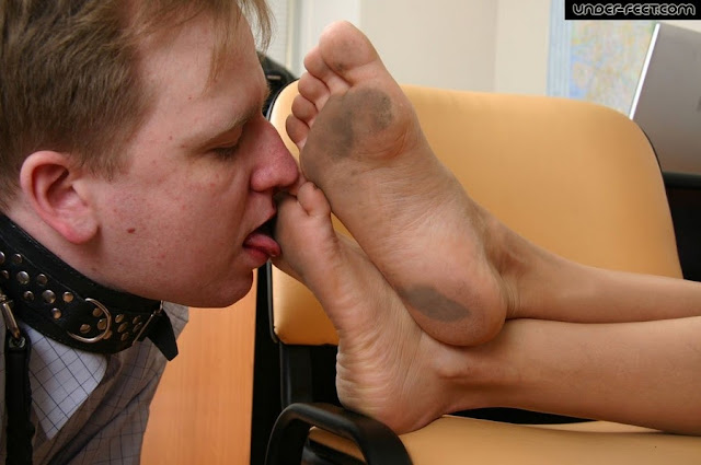 worship goddess feet slave mistress dirty feet domination collar lesh