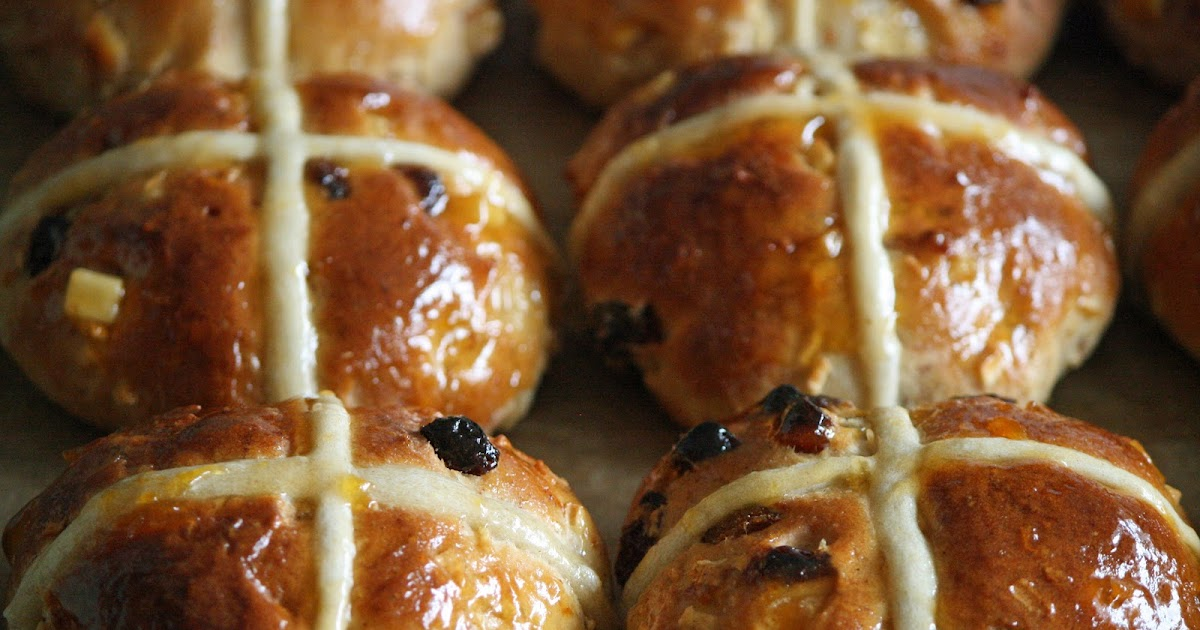 lauralovescakes...: Hot Cross Buns & Traditional Easter Biscuits