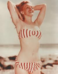 marylin monroe, bikini vintage, de rayas, playa