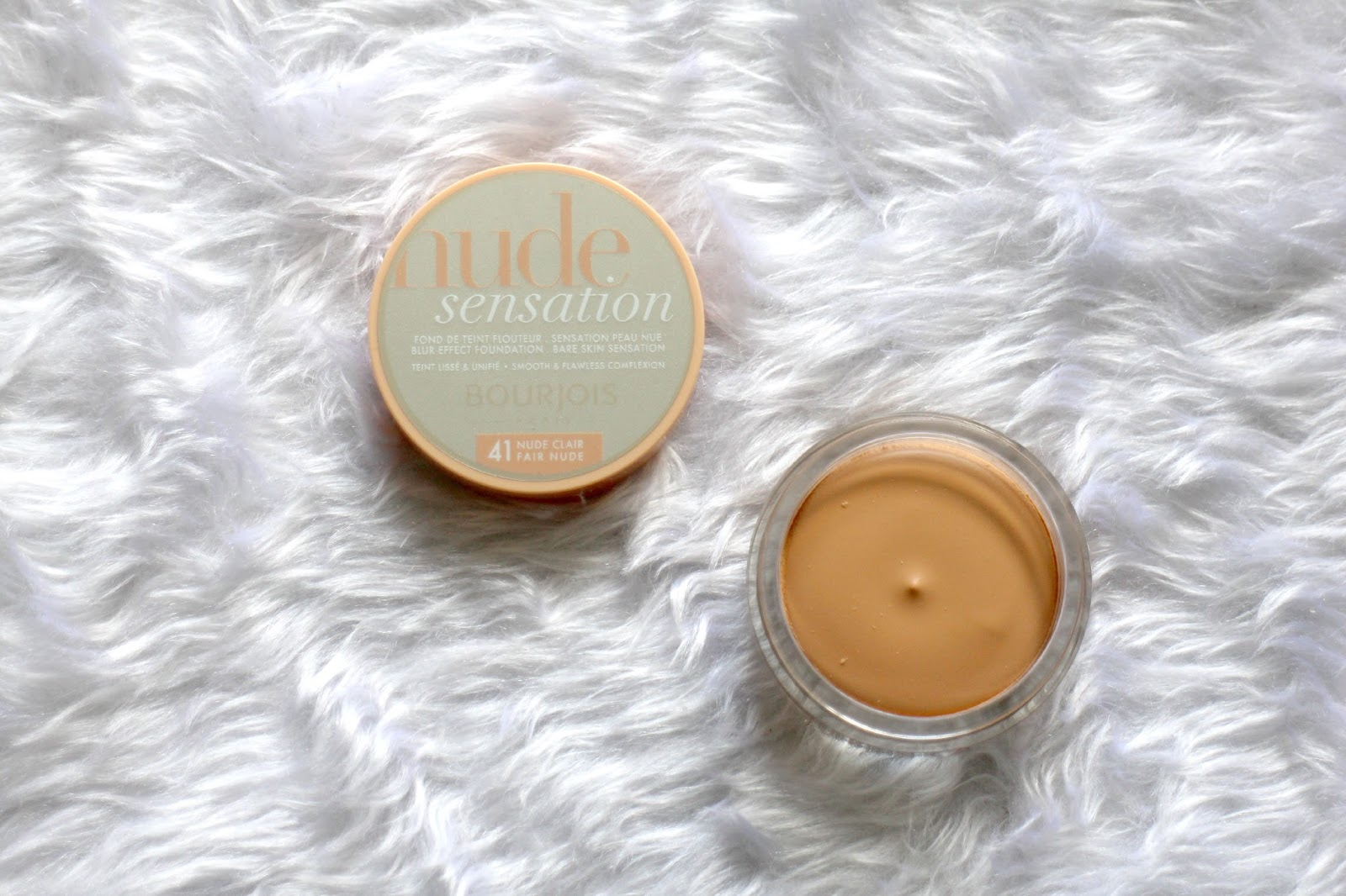 Bourjois Nude Sensation Blur Effect Foundation