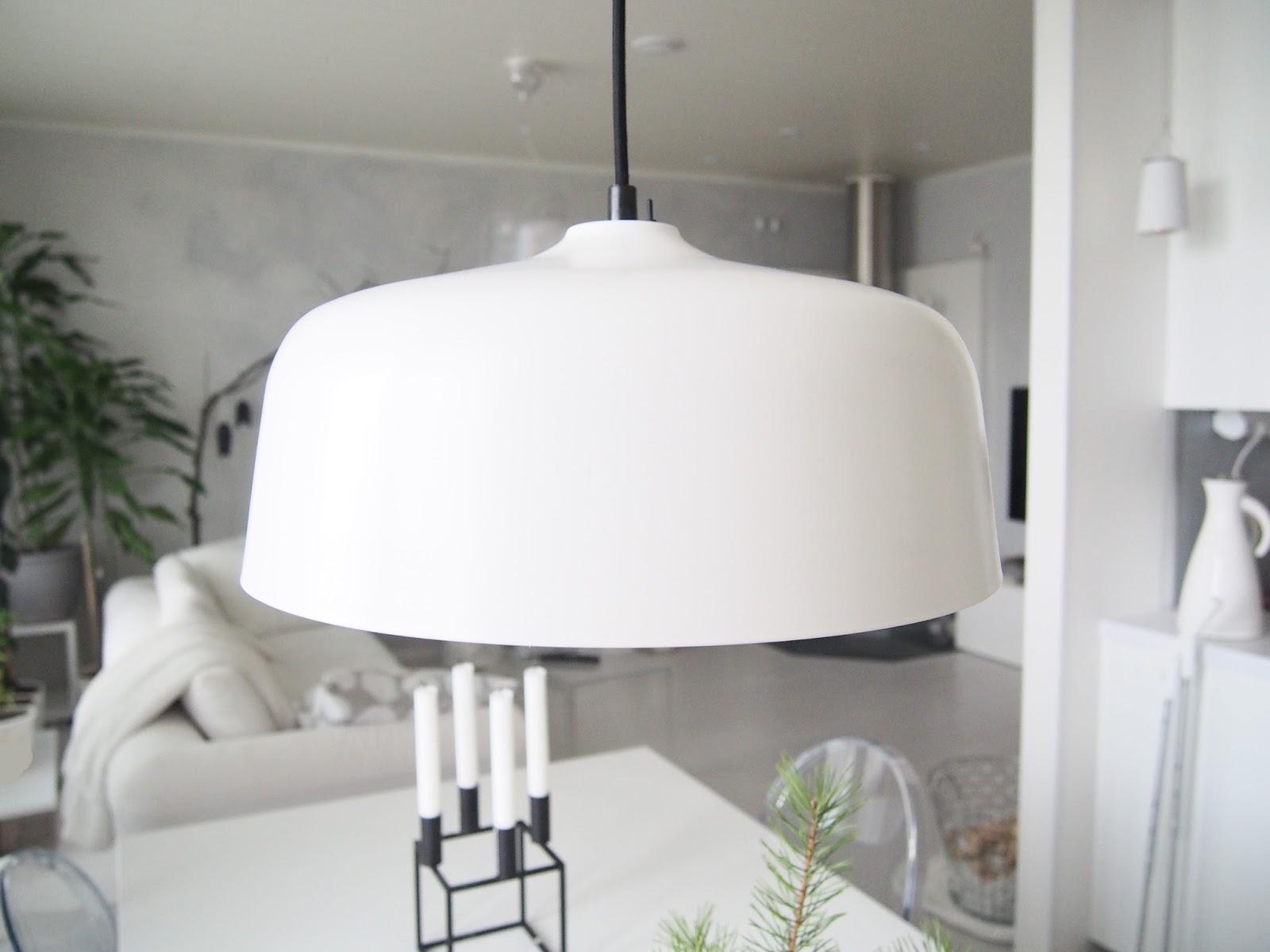 Keittiön loistava lamppu kirkasvalolaite!  Valkoisen vuoren rinteillä