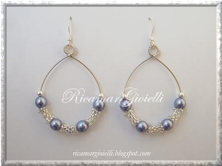 orecchini filo armonico, tubicini in peyote e perle